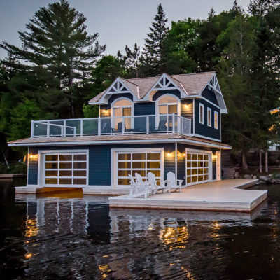 Muskoka boathouse built in a traditional style by PattyMac