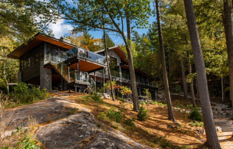 Contemporary cottage among natural Muskoka landscaping by PattyMac