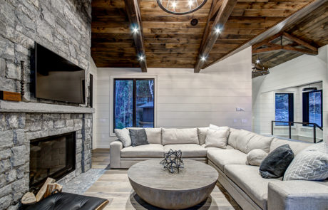 Living area in luxury Muskoka cottage by PattyMac