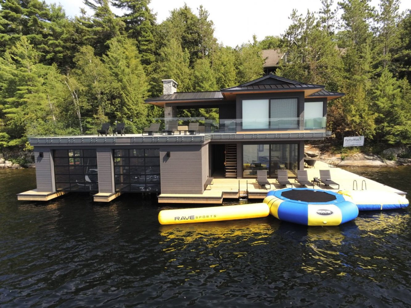 Contemporary boathouse by Spender Douglas and PattyMac